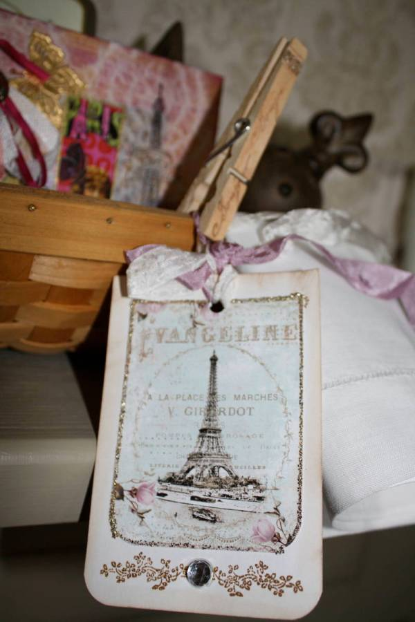Basket of Parisian Flair_Close_2